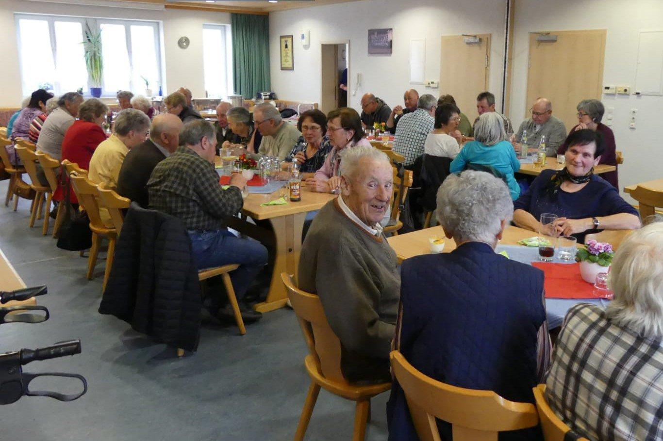 Offener Mittagstisch Startet In Der Gemeinde Lachen