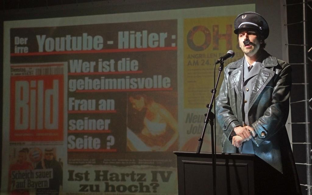 Er Ist Wieder Da Dürfen Wir Deutsche über Hitler Lachen